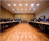 محادثات اليمن  وفد الحكومة يرفض «أسلوب الترضيات» في اجتماعات السويد