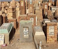 صور| أهالي قرية «ساقية أبو شعرة» يستغيثون من تجار المخدرات بالمقابر