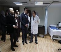 بالصور..عبد الغفار يفتتح قسم ذوي الاحتياجات الخاصة بمستشفى سعاد كفافي الجامعي