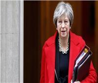 رئيسة وزراء بريطانيا تنجو من اقتراع لسحب الثقة