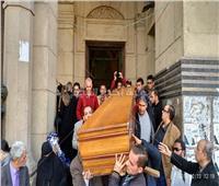 صور  خروج جثمان إبراهيم سعدة من عمر مكرم عقب صلاة الجنازة عليه