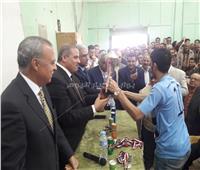 رئيس جامعة الأزهر يحذر طلاب هندسة قنا من الانسياق وراء الشائعات