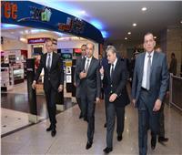 بالصور وزير الطيران يفتتح أحدث استراحات مصر للطيران بمطار القاهرة