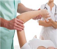 «العلاج الطبيعي» يغني عن اللجوء للمسكنات عند الشعور بالألم