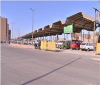 محافظ أسيوط: إعادة هيكلة مواقف السيارات لمنع الازدحام