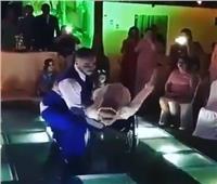 بالفيديو| حفل زفاف غير عادي يشعل مواقع التواصل الاجتماعي