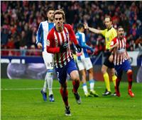 فيديو  أتلتيكو مدريد يهزم إسبانيول ويزاحم برشلونة على صدارة الليجا