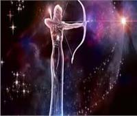خبيرة أبراج تكشف توقعات مولود «برج القوس»