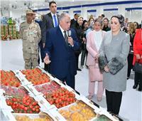 الصفحة الرسمية لقرينة الرئيس تنشر صور جولتها بمشروع الصوب الزراعية