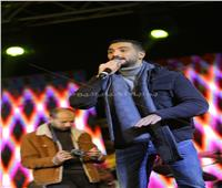 صور  محمد الشرنوبي يحيي حفل رأس السنة في القاهرة الجديدة