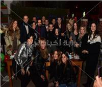 صور| أشرف زكي وشيرين يحتفلان بعيد ميلاد طارق دسوقي