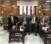 رئيس جامعة الأزهر والكندري يبحثان تعزيز التعاون في خدمة طلاب العلم