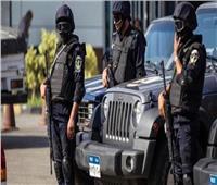 ضبط 25 متهما في قضايا مخدرات وسلاح بالجيزة
