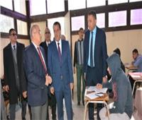 رئيس جامعة أسيوط يتفقد سير امتحانات الفصل الدراسي الأول