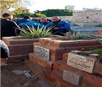 لاعبو ومسؤولو المقاصة في جنازة شقيقة طلعت يوسف