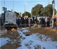 محافظ سوهاج يتفقد موقع حادث انقلاب سيارة محملة بالبنزين