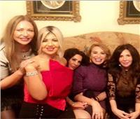 ليلى علوي تحتفل بعيد ميلادها الـ57   صور وفيديو