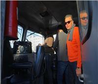 صور| وزير النقل يستقل جرار قطار من المنيا إلى بني سويف