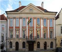 حريق أمام سفارة السويد بفرنسا جراء الاحتجاجات.. والسفيرة: أين الشرطة؟