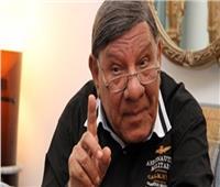 فيديو| مفيد فوزي يلقن مذيعة درسا في الأخلاق بسبب عمرو دياب