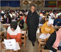 نائب رئيس عين شمس يتفقد لجان امتحانات كلية الحقوق
