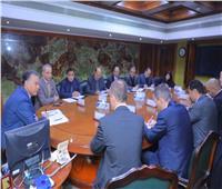 وزير النقل يتابع معدلات تحديث إشارات خط قطارات بني سويف-أسيوط