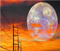 اليوم.. القمر يقترب من المريخ في ظاهرة ترى بالعين المجردة