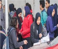 شكاوى من صعوبة «العربي» بالفيوم.. والطلاب «لم نستخدم الكتاب المدرسي في الامتحان»