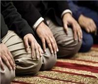 ماذا تفعل إن لم تتمكن من «جلوس التشهُد» أثناء الصلاة؟
