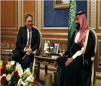 «بومبيو» وولي العهد السعودي يتفقان على أهمية استمرار التهدئة باليمن