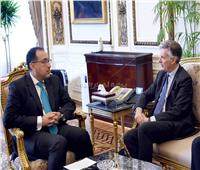 رئيس الوزراء يُشيد بحرص بريطانيا على زيادة استثماراتها في مصر