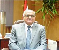 وزير التعليم العالي يخفض عقوبة «طالب الحضن» بجامعة المنصورة