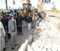 «الأنصاري» يقود حملة لإزالة التعديات في سوهاج