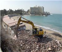 فيديو وصور| تطوير شواطئ المنتزه يبدأ بالهدم