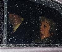 رئيسة وزراء بريطانيا تنجو من «سحب الثقة»
