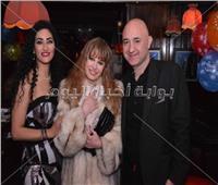صور| نيللي ونرمين الفقي وتامر أمين يحتفلون بعيد ميلاد عمرو جمعة
