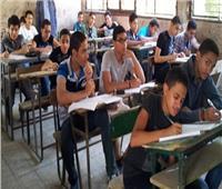 نشر امتحان اللغة الإنجليزية للشهادة الإعدادية على «فيسبوك».. والتعليم تحقق