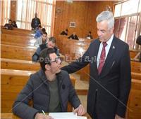 رئيس جامعة المنوفية يختتم جولاته التفقدية للامتحانات بزيارة «كلية الهندسة»