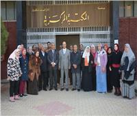 """""""المنشاوي"""" يتفقد المكتبة المركزية لمتابعة الخدمات البحثية بجامعة أسيوط"""