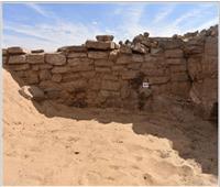 الكشف عن 6 مقابر لعصر الدولة القديمة بـ«قبة الهوا» بأسوان