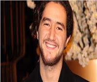 اليوم.. أحمد مالك يكشف كواليس «الضيف» في «عيشها بانرجي»