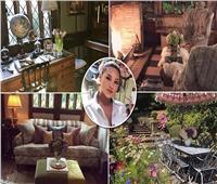 صور| ذوق رفيع وزهور نادرة.. جولة داخل منزل «كيلي بروك» الرائع