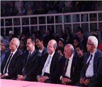 صور| سفير مصر بمسقط يشاهد عرض «العيال رجعت»