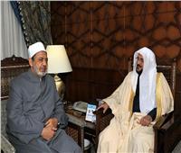 صور| شيخ الأزهر يستقبل وزير الشؤون الإسلامية بالسعودية