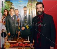 صور| كريم عبد العزيز وغادة عادل يحتفلان بعرض «نادي الرجال السري»