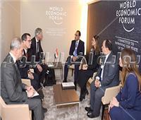 مصطفى مدبولي يلتقي الرئيس التنفيذي لـ«دانا جاس» في منتدى دافوس