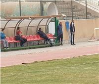 رغم الأصابة.. وليد سليمان يتابع مران الأهلي من على دكة التتش