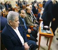 وزير الزراعة وأسامة كمال في عزاء والدة وزير المالية