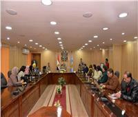 محافظ أسيوط يلتقي عضوات المجلس القومي للمرأة لبحث المشاركة في برامج التنمية