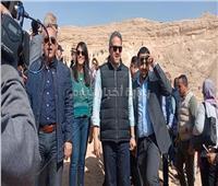 صور| بدء جولة وزيري الآثار والسياحة بـ«تونا الجبل»